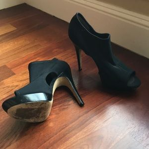 Via Spiga Black Peep Toe Heels, Size 9